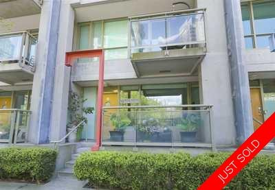 Coal Harbour Townhouse for sale:  3 bedroom 1,307 sq.ft. (Listed 2019-09-17)